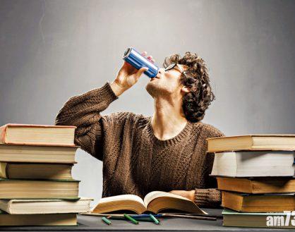 慎用能量饮品