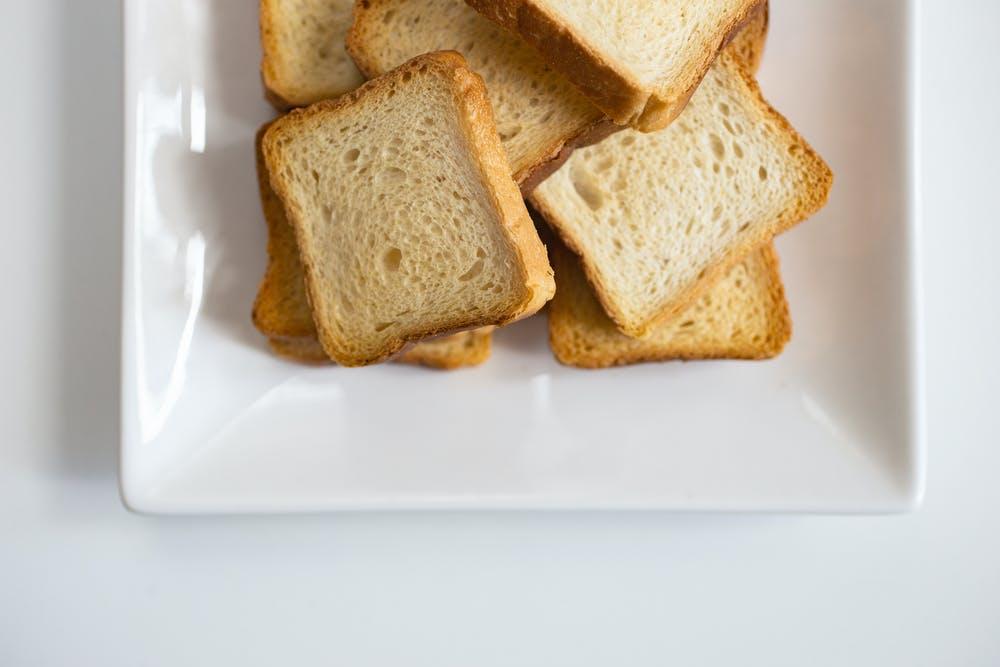 麵包、麥包、西多士的分別